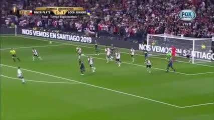 El segundo gol de Vélez, similar al 3-0 del Pity Martínez en el Bernabéu