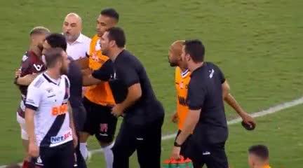 El momento de la agresión a Gabigol