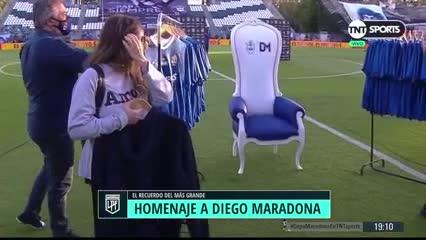 Dalma y Giannina en el homenaje a Diego