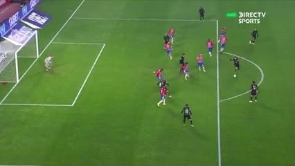 Messi reventó el palo
