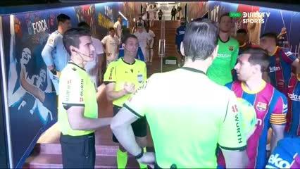 Messi reclamó en el entre tiempo