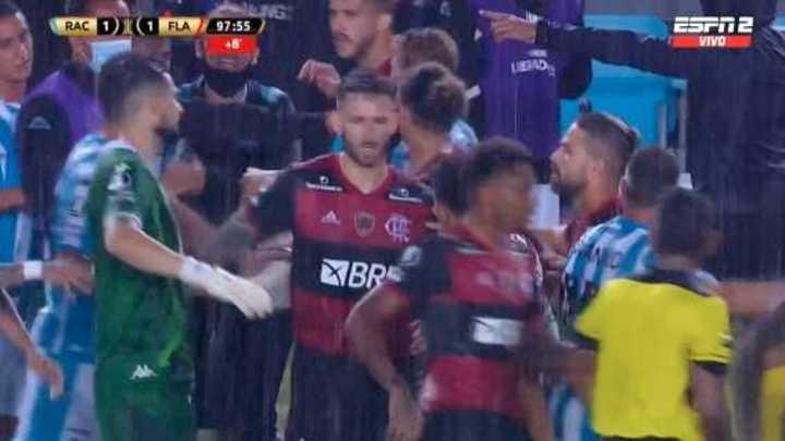 Tumulto en Racing - Flamengo