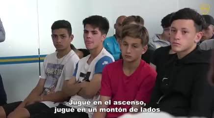 La charla de los delanteros de Boca para los pibes de la cantera (Prensa Boca).