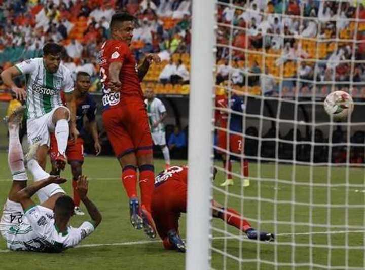 Braghieri y su gol en el clásico de Medellín