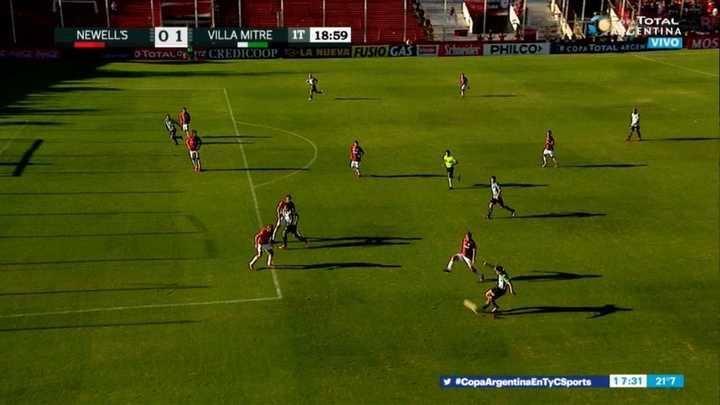 El gol que le anularon a Villa Mitre por offside