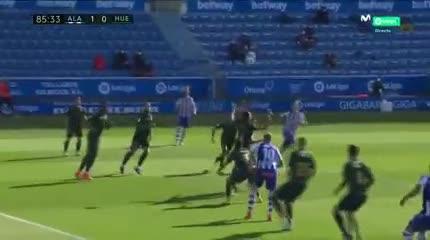 Golazo de Battaglia para el Alavés: 1-0 vs Huesca