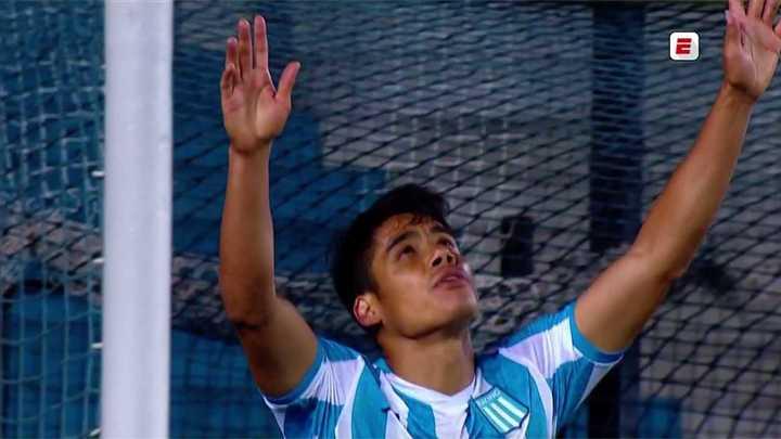 Racing abrió el marcador con un gol de Melgarejo