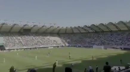 Las hinchadas de Colo Colo y de la U Católica se unieron contra Piñera