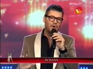 El imitador de Román en Showmatch