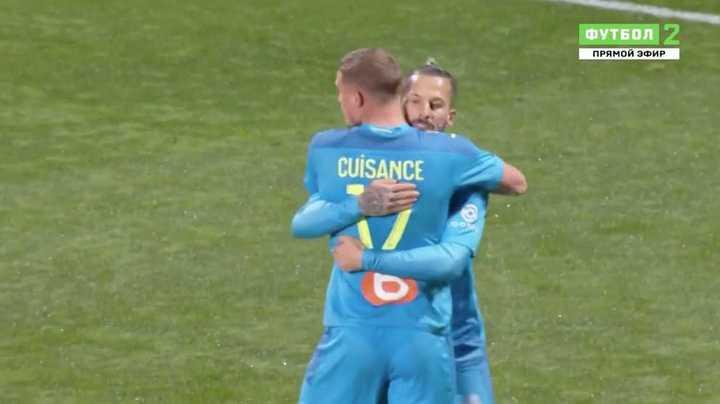 El gol de Darío Benedetto a Nimes