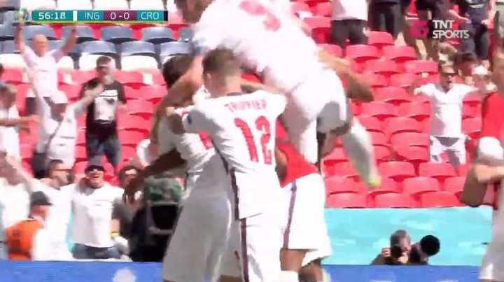 Sterling le dio la victoria a Inglaterra ante Croacia