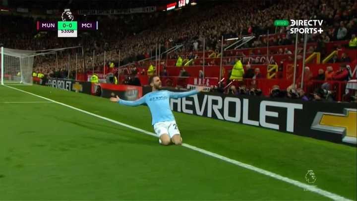 Gol de Silva para poner en ventaja al City en el clásico