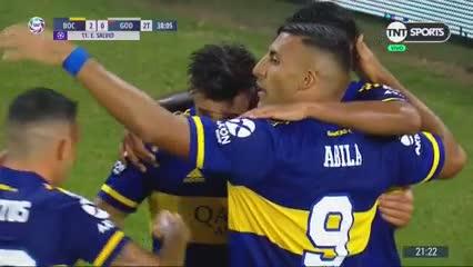 El gol de Salvio con el festejo de Román