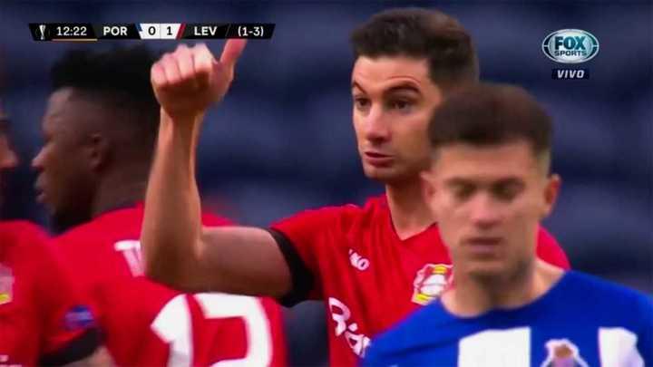 Lucas Alario marcó para el Leverkusen