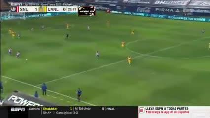 El gol de mitad de cancha a Guzmán
