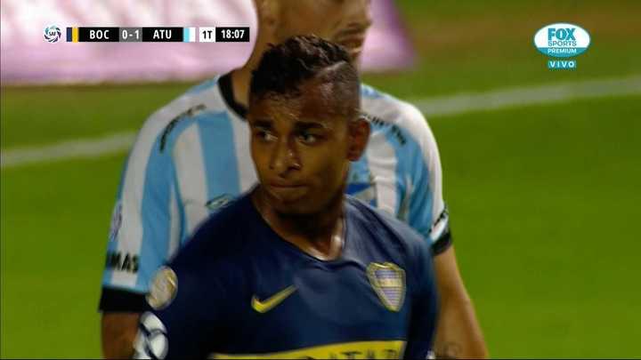 Villa tuvo una clara pero Lucchetti evitó el empate