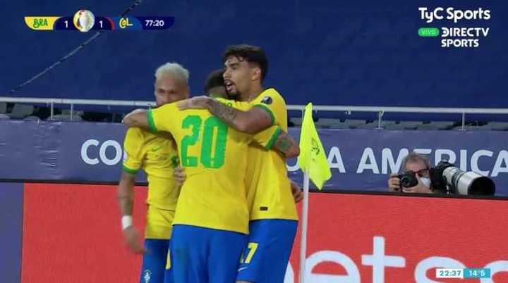 Firmino marcó el empate para Brasil