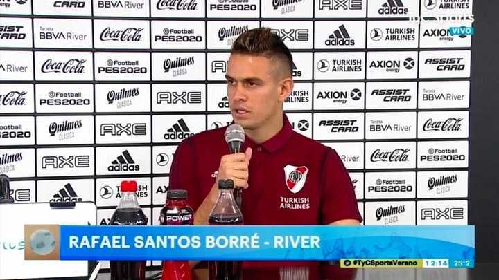 Rafael Santó Borré confirmó que se queda en River