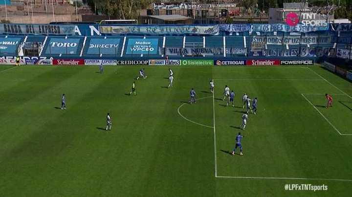 Tremendo offside de Colman en el gol del Tomba