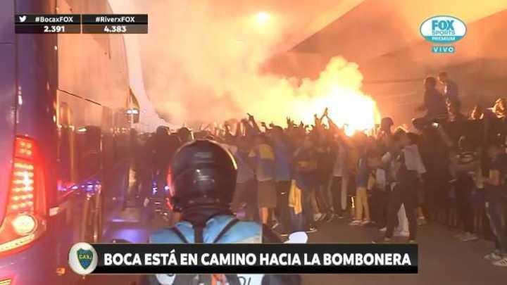La gente de Boca frenó el micro de los jugadores