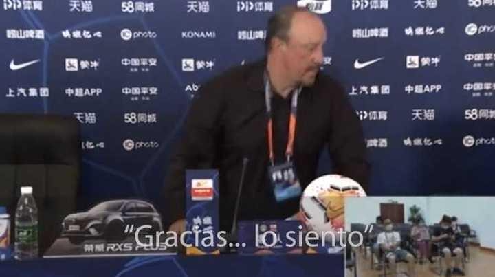 El enojo de Rafa Benítez en la conferencia de prensa