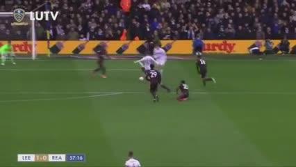El gol del Leeds de Bielsa