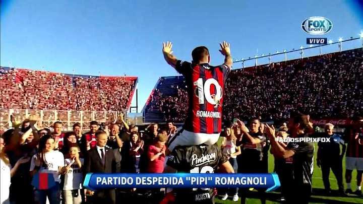 Momento emotivo en la despedida de Romagnoli