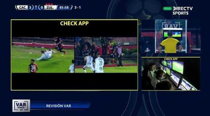 El VAR anuló la roja del jugador de Zulia