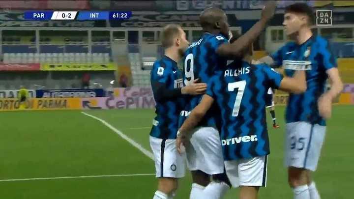 El Inter ganó con doblete de Alexis Sánchez