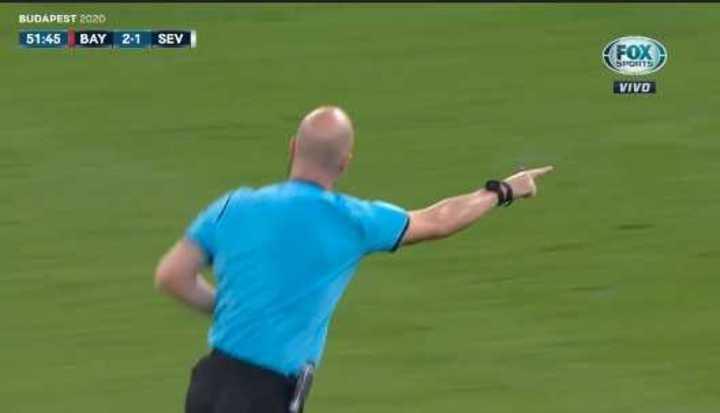 Golazo anulado a Lewandowski