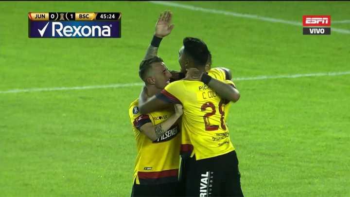 Junior venció 2 a 0 al Barcelona
