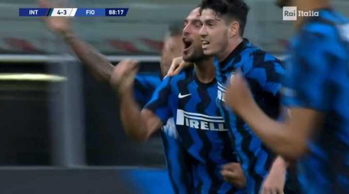 Inter lo ganó sobre el final 4 a 3