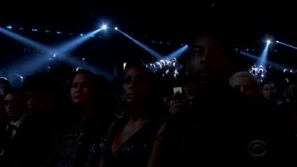 El homenaje a Kobe en los Grammy