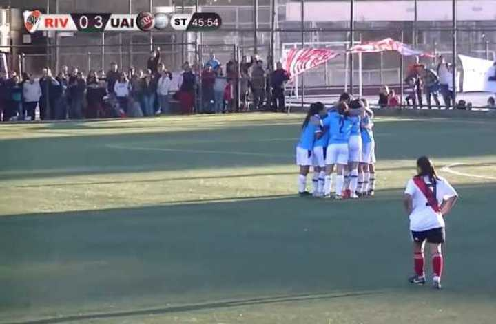 UAI Urquiza le ganó 4-0 a River