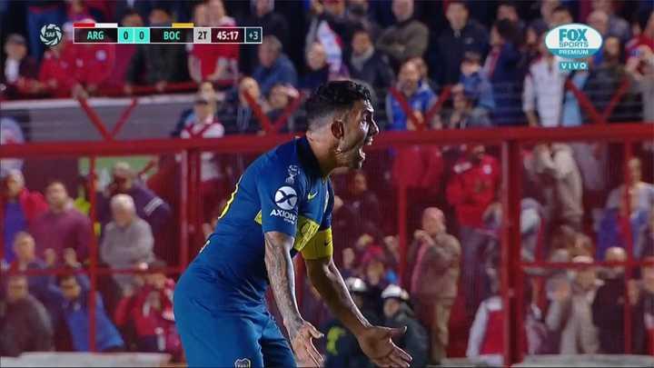 Zárate se la jugó solo y Tevez le reclamó