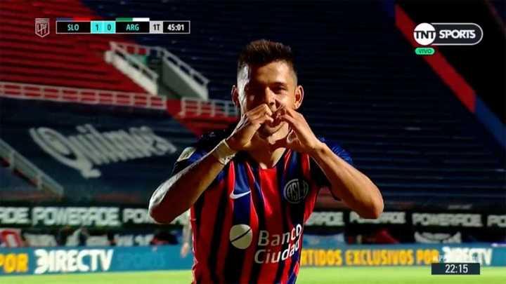 Centro de Ángel, gol de Óscar