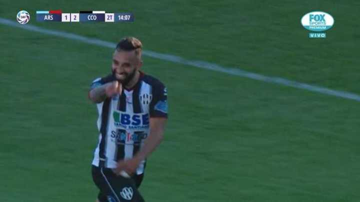 Herrera marcó el segundo de Central Córdoba