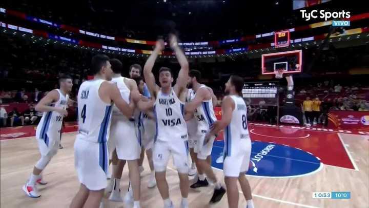 El festejo de los jugadores argentinos tras la victoria ante Francia