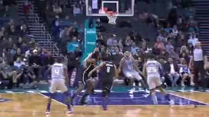 Las mejores diez jugadas del 6 de diciembre en la NBA