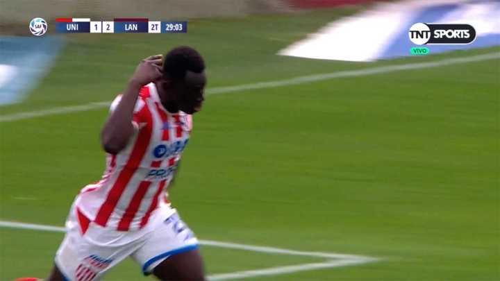 Gómez Andrate apareció y de cabeza puso el gol del descuento