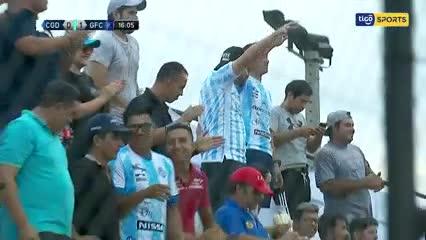 Insólito gol en contra en el fútbol paraguayo