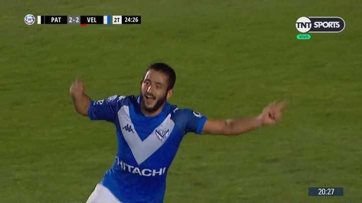 Doblete de Vargas para dar vuelta el partido