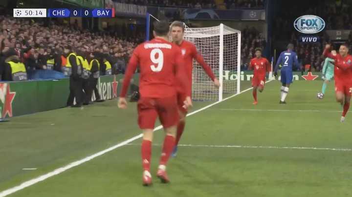 Bayern se puso arriba gracias a Gnabry