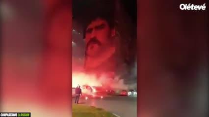 La ciudad de Nápoles homenajea a Maradona