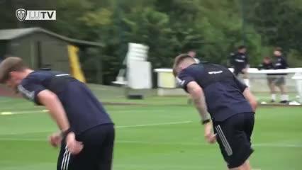 El Leeds volvió a entrenarse