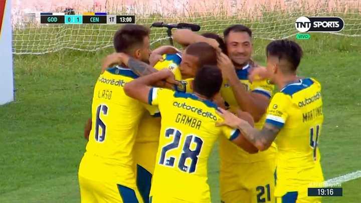 Central se puso en ventaja con gol de Diego Novaretti