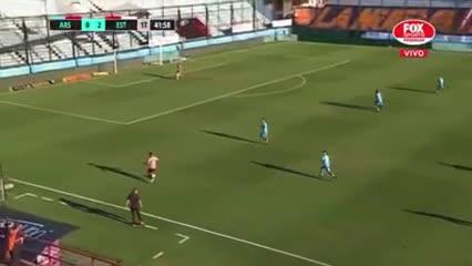 Sánchez Miño puso el tercero ante Arsenal