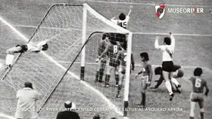 El primero de los dos tantos del Beto ante San Lorenzo en 1975