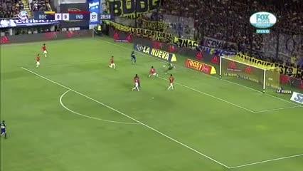 Villa casi mete el primero de Boca