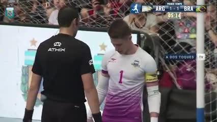 Argentina le ganó 4-2 a Brasil